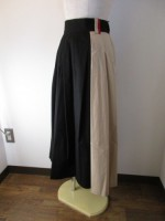 トラノイ/TRANOI.  Oz skirt  black×beige
